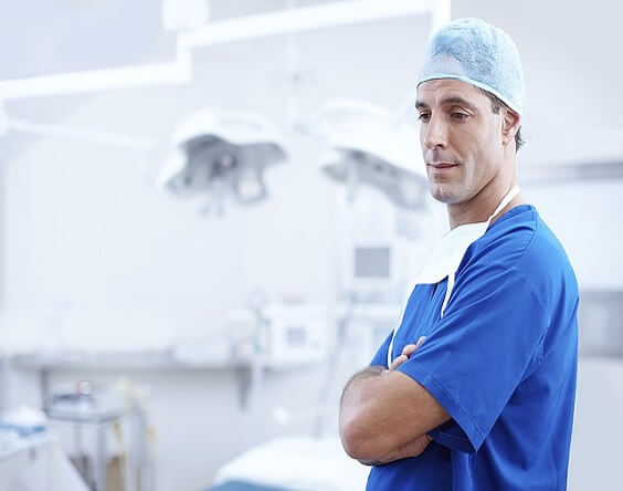 ניתוח קטרקט – המדריך השלם למנותחים